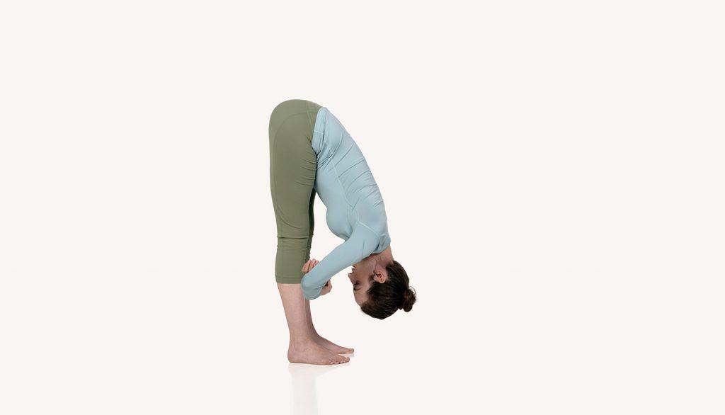 CANTIENICA:; Stehende Übung mit Kopf über